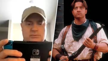 Here's Brendan Fraser So Busy Gaming That He Doesn't Notice Interview Has Started