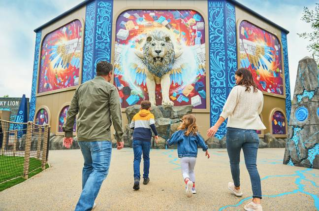 Maximus greets guests on the approach to the Sky Lion ride / Credit: LEGOLAND Windsor