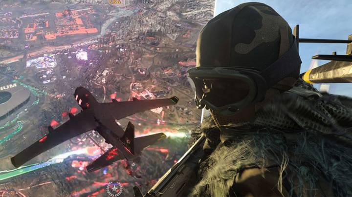 'Call Of Duty: Warzone' Bug Lights Up The Map In Cool Neon